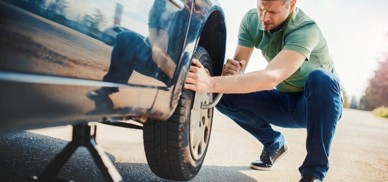 mudar pneu