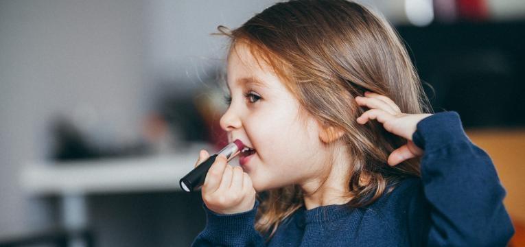 Os lábios das crianças requerem mais cuidado
