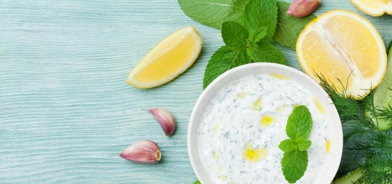 Molho de iogurte para batatas