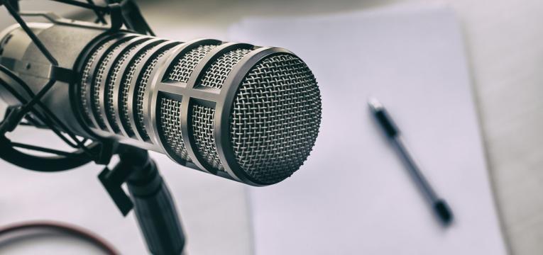 como ganhar dinheiro podcast