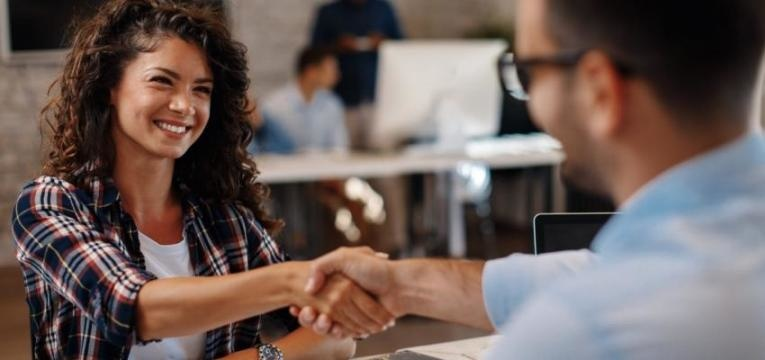 o que perguntar antes de aceitar um emprego