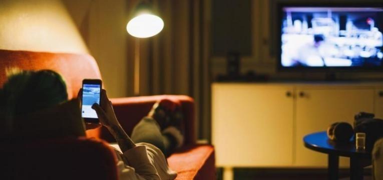 5 dicas para negociar pacotes de telefone, internet e televisão