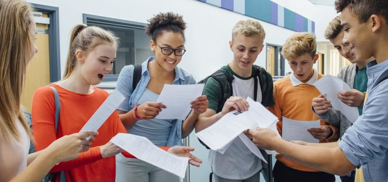 bolsas de estudo para o Ensino Secundário