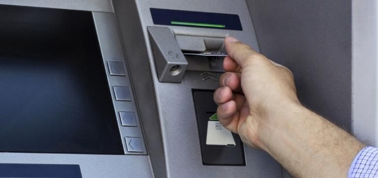 utilizar o multibanco no estrangeiro