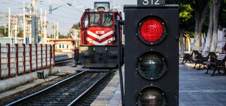 semaforo ferroviario