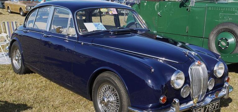 Jaguar 340 clássico