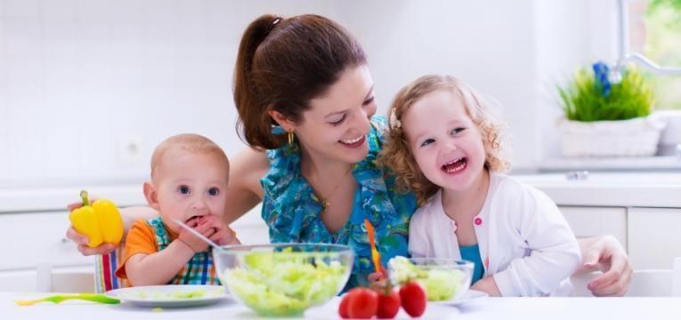 Obrigar as crianças a comer não é solução