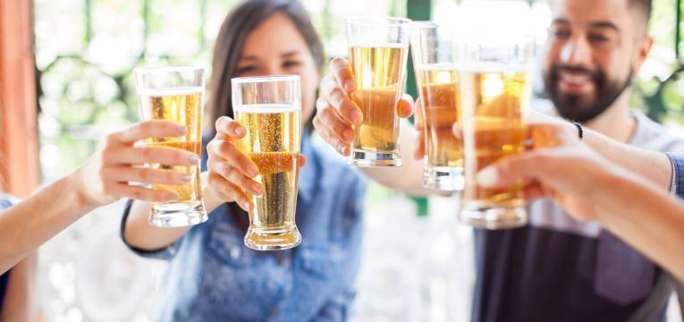 evite o álcool para emagrecer depois dos 40