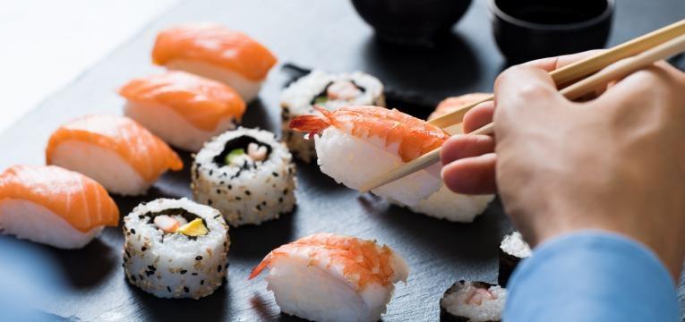 saiba se pode comer sushi na gravidez
