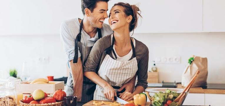 tarefas domésticas em casal