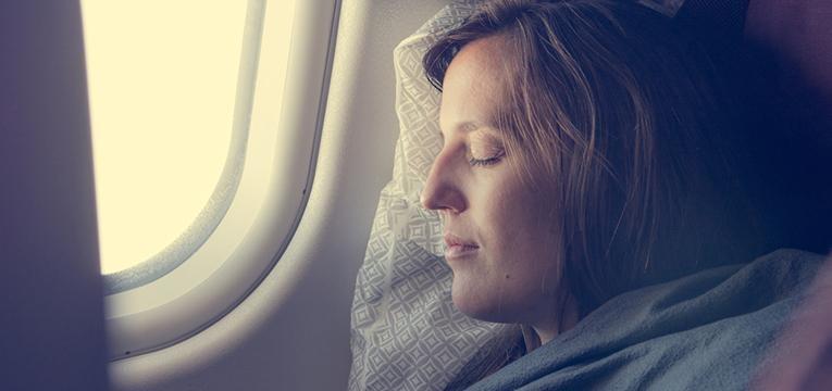 dormir no avião