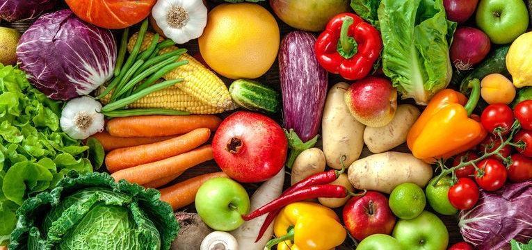 fruta e legumes na alimentação de um bebé de 1 ano