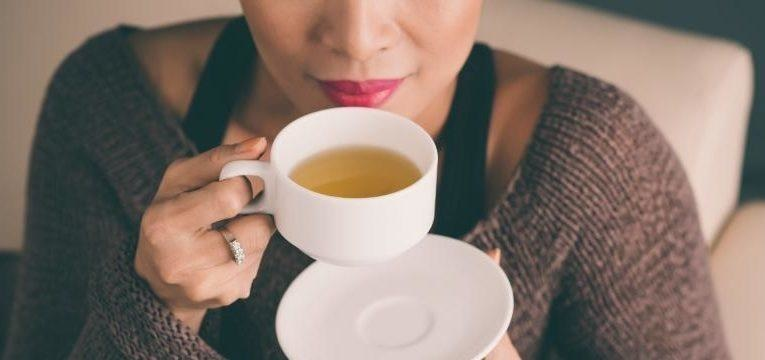 as bebidas muito quentes podem aumentar o risco de cancro