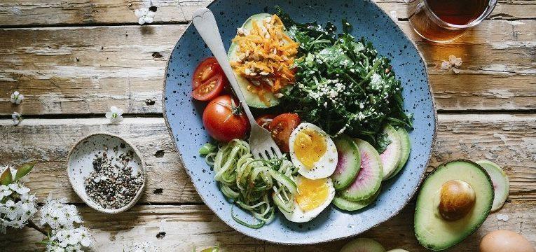 como comer mais devagar