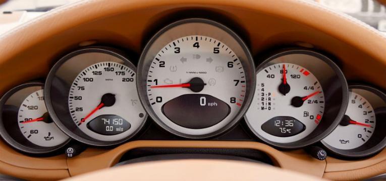 Use mudanças altas em velocidades moderadas