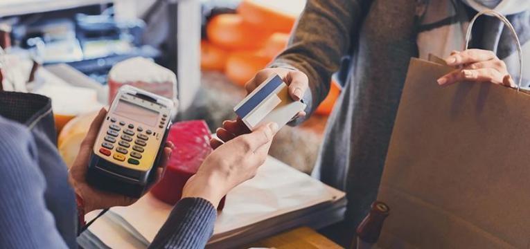 cuidados com o cartão de crédito no estrangeiro