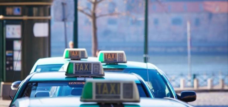 Promulgação de diploma da Uber e Cabify
