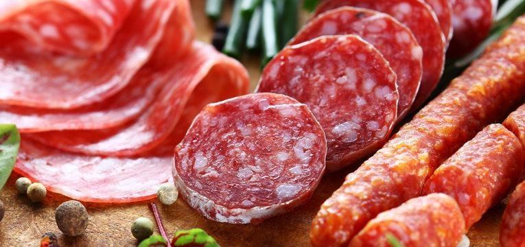 a carne processada é um dos alimentos que não valem as calorias