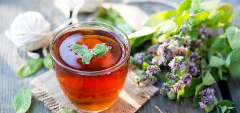 o chá preto é uma boa opção de chá energizante