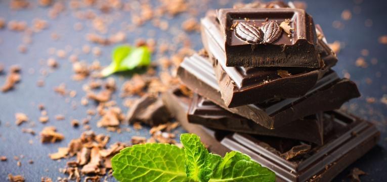 chocolate é um dos alimentos que os gatos não podem mesmo comer
