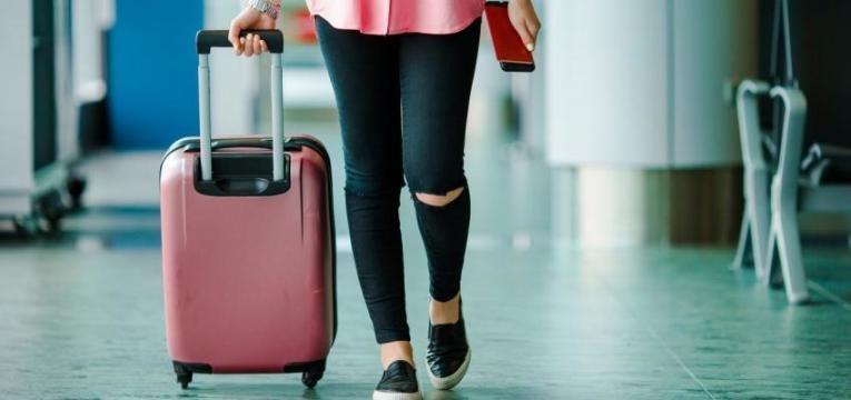 Ryanair vai passar a cobrar até dez euros por bagagem de mão