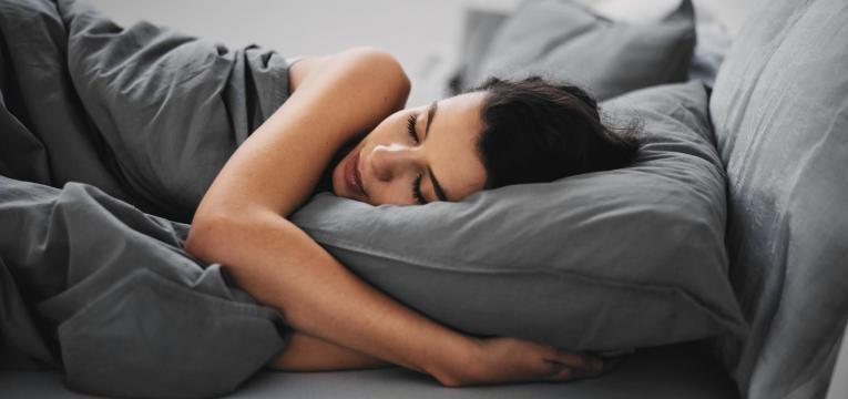 dormir bem é um dos hábitos que dão vida