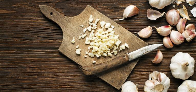 O alho é um doa alimentos bons para o coração