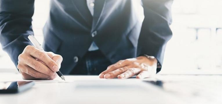 contrato-de-trabalho-e-contrato-de-prestacao-de-servicos