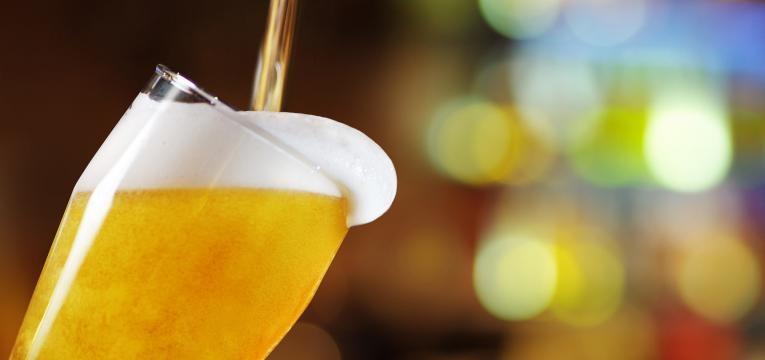 beber álcool aumenta o risco de cancro