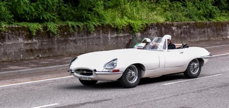 ALt carro antigo jaguar