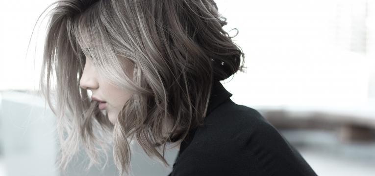 cortar o cabelo sozinha