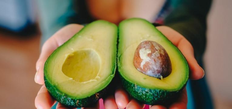 razões para comer a semente de abacate