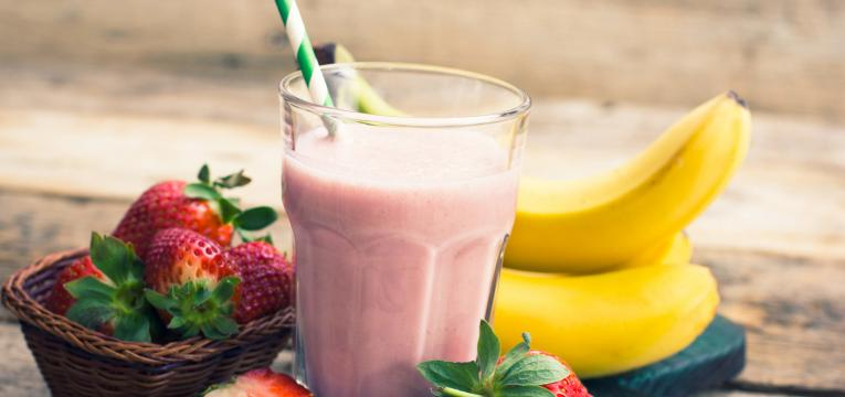 smoothie de morango com banana