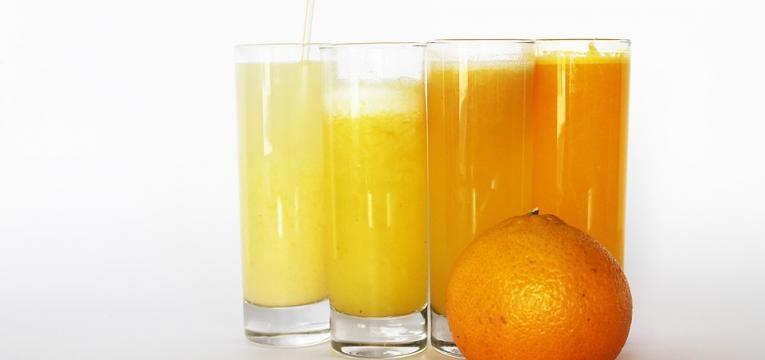 sumo de laranja e cenoura