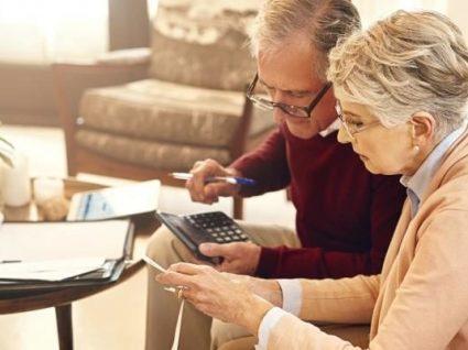 Pensionistas do Estado recebem sexta-feira metade do subsídio de Natal