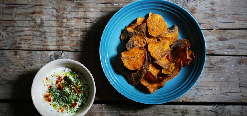 Chips de batata-doce: simples, saudáveis e deliciosas