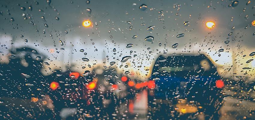 Conduzir com chuva: 7 dicas essenciais