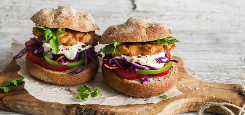 Hambúrguer de atum com quinoa: saudável e delicioso