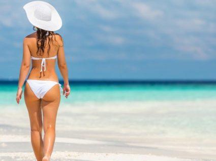 Alerta praia: 8 biquínis brancos que vai querer ter esta estação