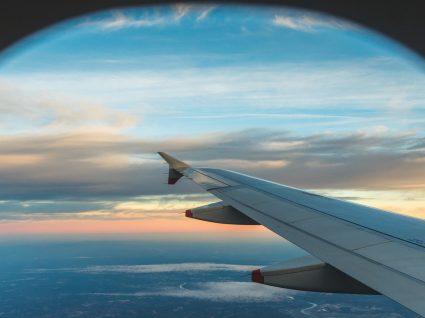 Porque é que as janelas dos aviões são redondas?