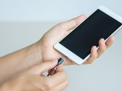 3 razões pelas quais o telemóvel demora muito a carregar
