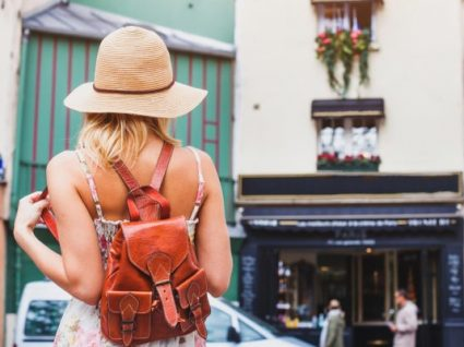 10 mochilas por menos de 25€ para levar às costas este verão