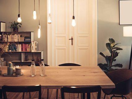 iluminação na sala de jantar