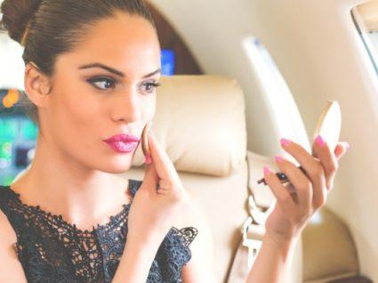 Indispensáveis: conheça os produtos de beleza essenciais para levar no avião