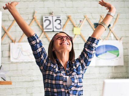 8 segredos das pessoas otimistas para começar a praticar