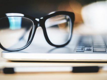 5 lojas para poupar em óculos e lentes de contacto