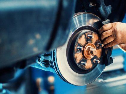 Os 7 piores problemas mecânicos que um carro pode ter
