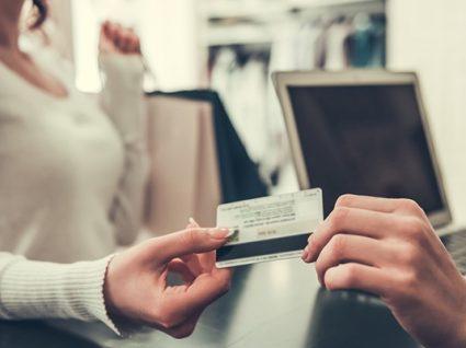 7 cuidados com o cartão de crédito no estrangeiro