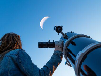Como observar o eclipse lunar de hoje