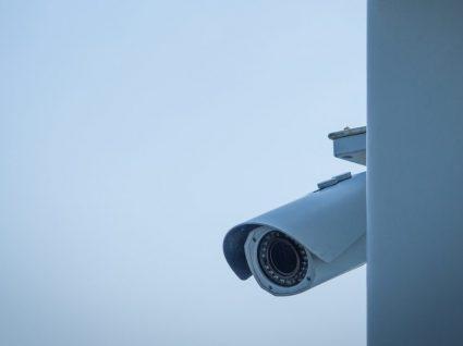 Como saber se a sua casa de férias tem câmaras de vigilância escondidas